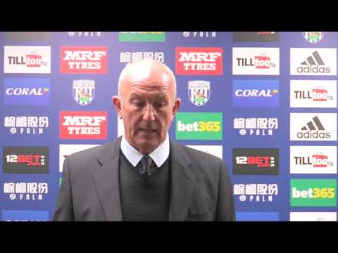 Pulis concedes 'job is under threat'
