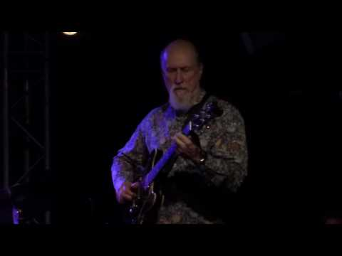 John Scofield - Busted / Just A Girl I Used To Know (New Morning - Paris - March 22nd 2017)