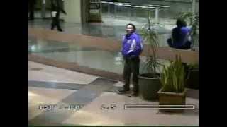 Download Video Jahil - Bapak-bapak ini tertangkap kamera CCTV MP3 3GP MP4