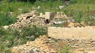 Seca na Represa de Rio Manso deixa ruínas de cidade inundada à mostra