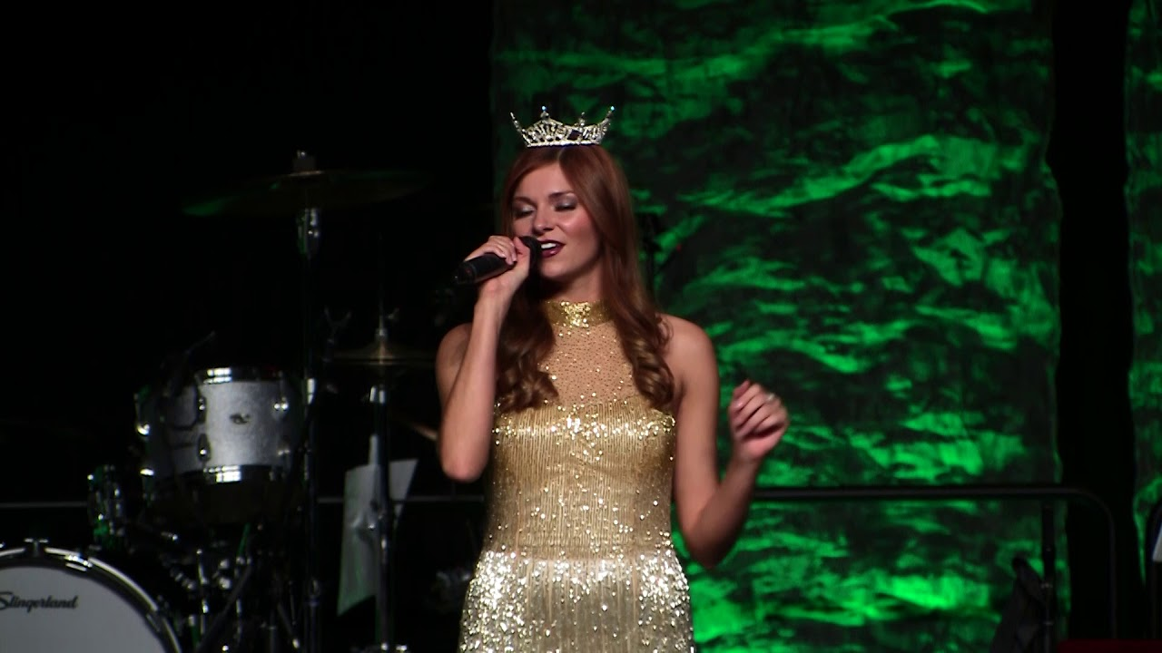 2017 Christmas Celebrity Karaoke: Miss NWA - New York - YouTube