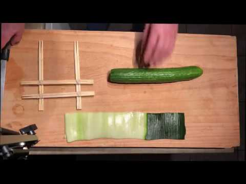 fast way to peel cucumber for sushi(스시 오이 빨리 돌