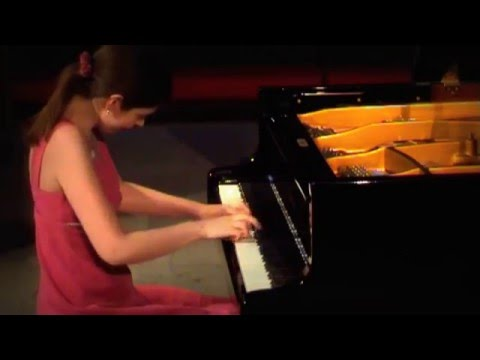 Catherine Leonard - (Gigue) J.S. Bach English Suite No 2 in A Minor