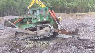 cat d9g dozer ripping rock part 1