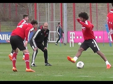 Dante dribbling vs Daniel van Buyten - FC Bayern Munich Training session - Pep Guardiola