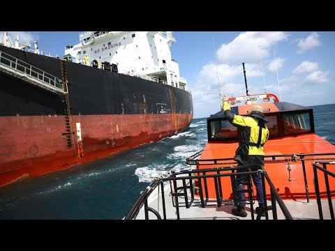 Working as Maritime Pilot (Documentary)