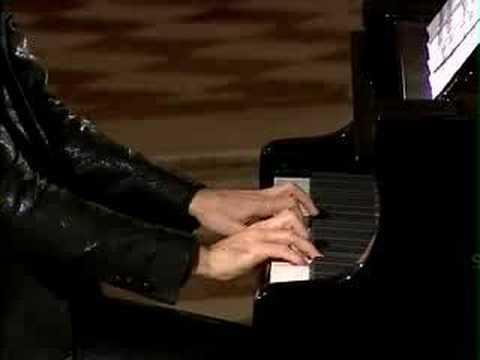 David Greilsammer plays Mozart