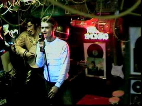 Dennis singt You von Ten Sharp  im Karaoke Fun Pub Stuttgart