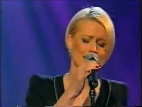 Denise Van Outen - Tell Me On A Sunday