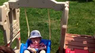 Little Tikes Hide And Seek Swing---not Sturdy!