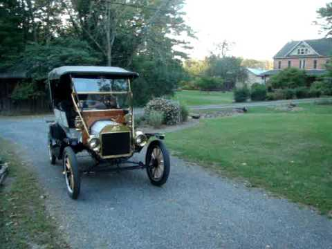 1911 Ford Model T Touring driving.
