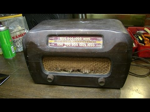 Rodent-Infested Post-War Radio - 1946 Philco Repair