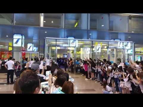 EXID - Noi Bai Airport