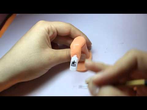 Нарисовать корону на ногтях