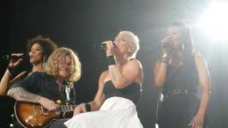Pink- Perfect Live Melbourne July 10th 2013