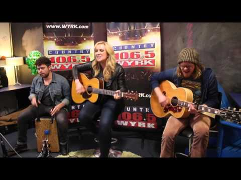 Clare Dunn Performs Her Single 'Tuxedo' for WYRK