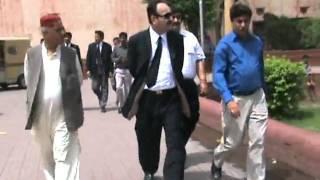 Iqbal day  21st April 2010: Mazar e Iqbal-  0utside scenes 5 .mpg