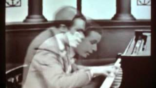 Invention 13 in A Minor - BWV 784 - Bach by Glenn Gould
