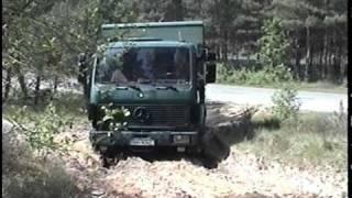 Mercedes 1017 und Unimog 1300