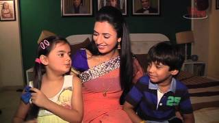 Video Divyanka and Ruhanika aka Ishita and Ruhi of Yeh Hai Mohabbatein shares their monsoon stories download MP3, 3GP, MP4, WEBM, AVI, FLV Juni 2018