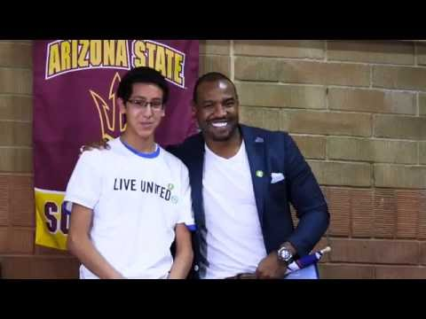 Darren Woodson - Banner Hanging 2015 (30sec Version)