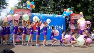 Пролог с шарами. Коллектив современного танца