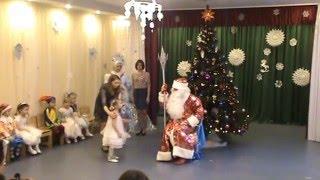 Новый Год в детском саду, средняя группа(часть1)