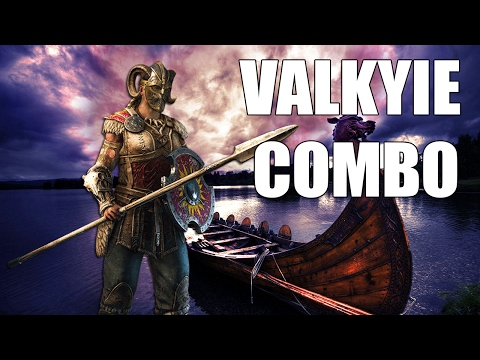 For Honor - AMAZING VALKYRIE COMBO OFF PARRY! HALF HIS HEALTH?!