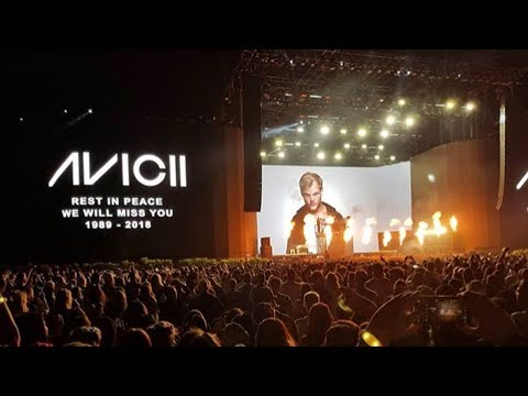 Смотреть Tributes to Avicii by Famous DJs/Musicians + Sweden & Church Bells Tribute онлайн