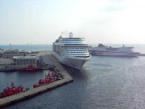 MSC Magnifica & MSC Splendida - Horn Battle - YouTube