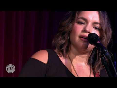 "Norah Jones performing ""Stuck"" Live on KCRW"