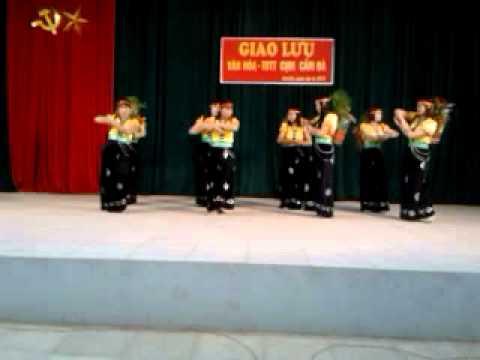 Múa Địu con đi nhà trẻ trường mầm non Tòng Bạt năm 2012