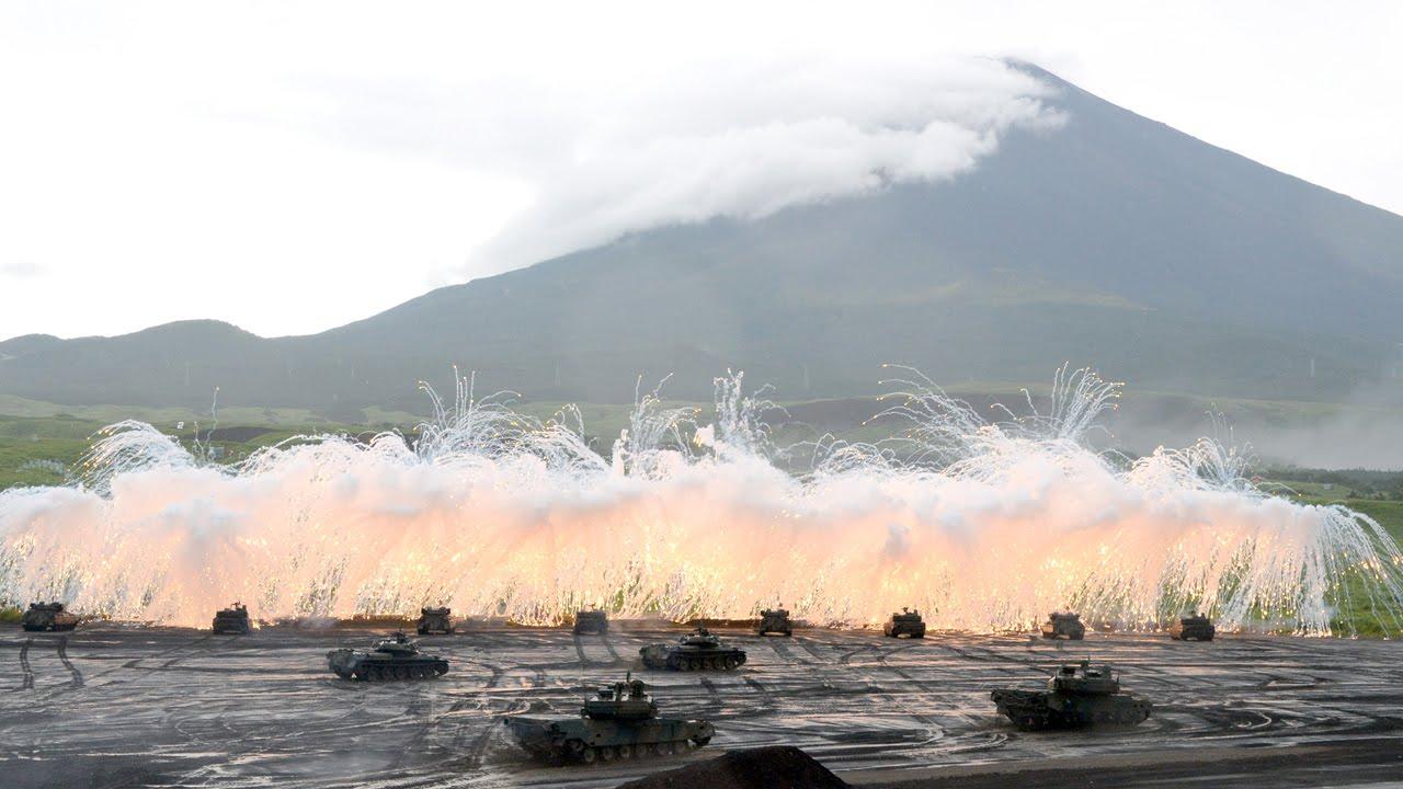 陸上自衛隊 富士総合火力演習 平成26年度 - YouTube