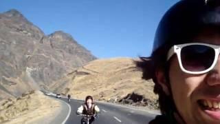 Karenini e Osvani Decendo a estrada da morte