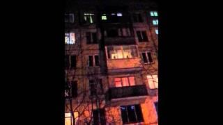 Коза на балконе в Москве