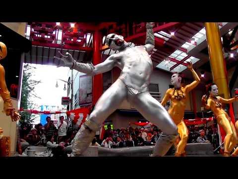 第40回(2017年)大須大道町人祭 金粉ショウ/金粉ショー 大駱駝艦 / ふれあい広場 street performance golden bodypainting butoh dancers ▶18:55