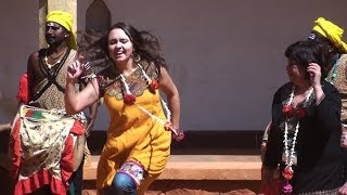 Foreigh woman loves Indian rhythm