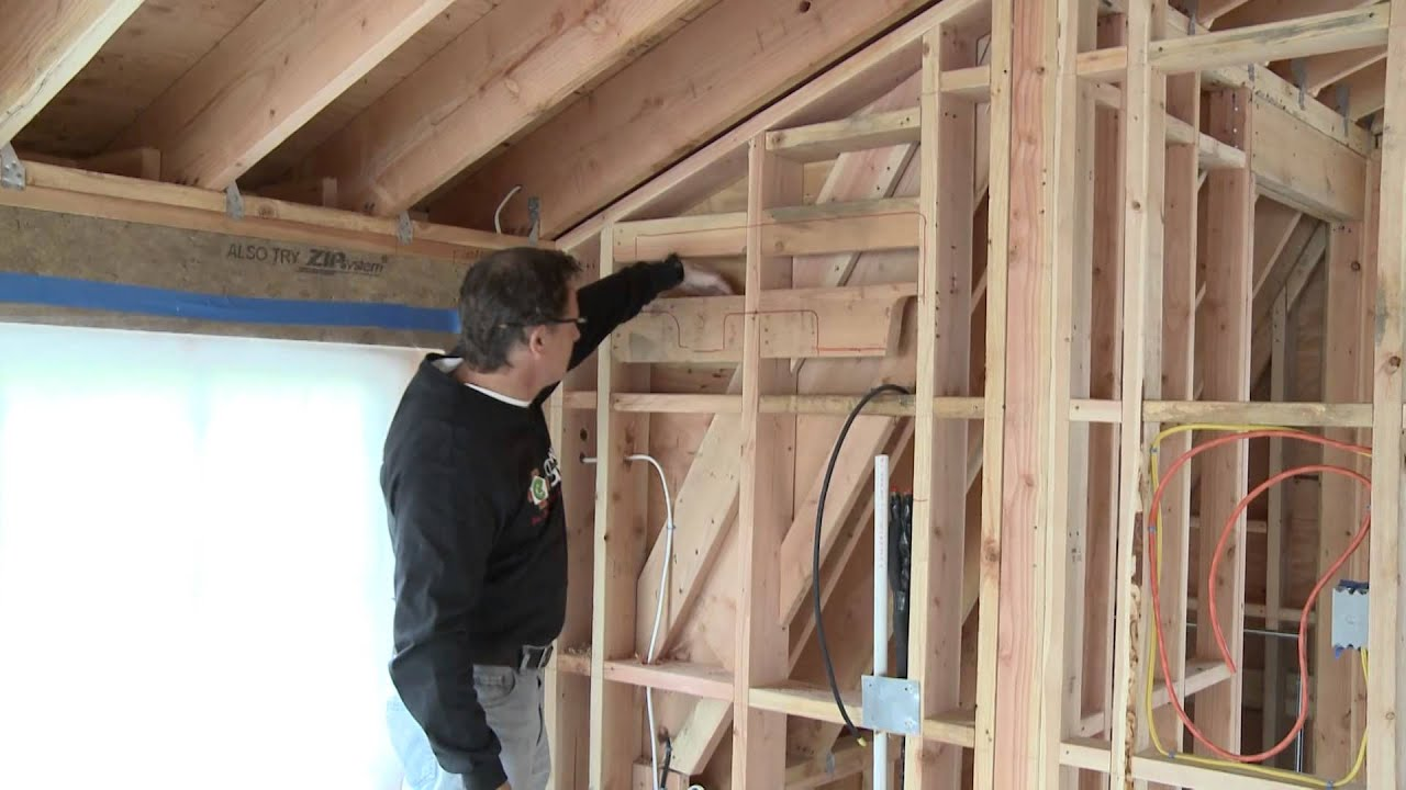 Spray Foam Insulation Vs Fiberglass Youtube
