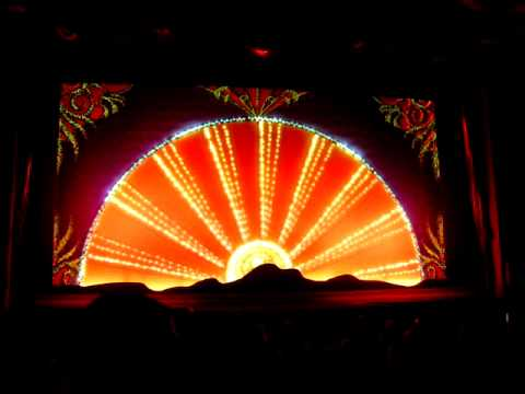 Hollywood - El Captain Theatre curtains