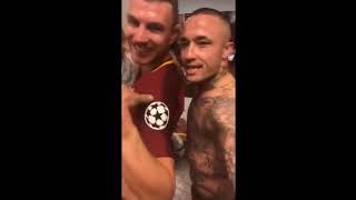Празднование игроков Ромы на раздевалке после победы над Барселоной 3-0 10.04.2018