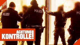 Schlägerei im Vollrausch! Polizei nimmt Tatverdächtige fest! | Achtung Kontrolle | Kabel Eins