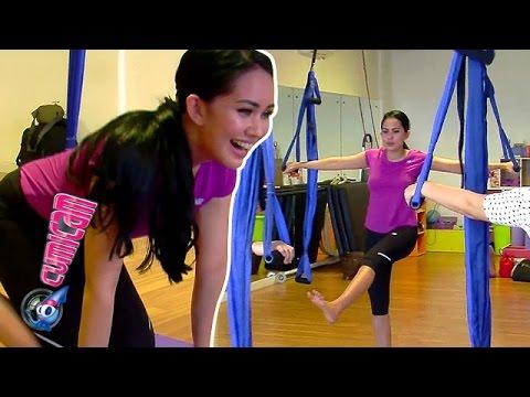 Duhhh... Seksinya Kartika Saat Latihan Yoga - Cumicam 28 Januari 2016