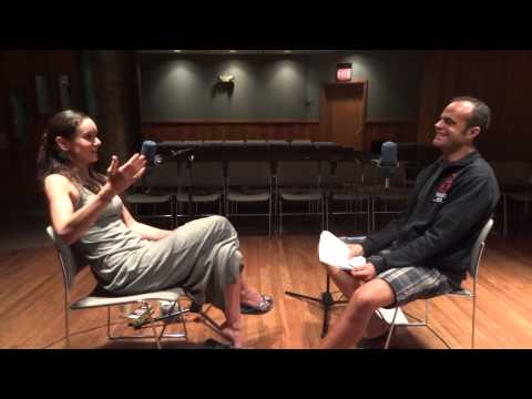 Walking Dead's Sarah Wayne Callies with Honolulu, Hawaii radio host Dave Lawrence -- part 1