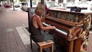 (Полная версия)Бездомный бомж Дональд Гулд играет на пианино(Donald Gould Homeless plays the piano)(НАДОЕЛИ ПРОБЛЕМЫ С ПИТАНИЕМ СМАРТФОНА?ХВАТИТ ЖИТЬ ОТ РОЗЕТКИ ДО РОЗЕТКИ!Смотри- http://battaryyy.blogspot.com.by/ Группа..., 2015-07-03T13:48:26.000Z)