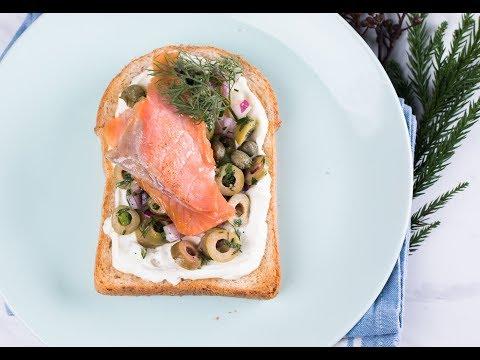 แซนด์วิชแซลมอนรมควันกับสลัดมะกอก Smoked Salmon and Olive Salad Open Sandwiches - วันที่ 12 Mar 2019