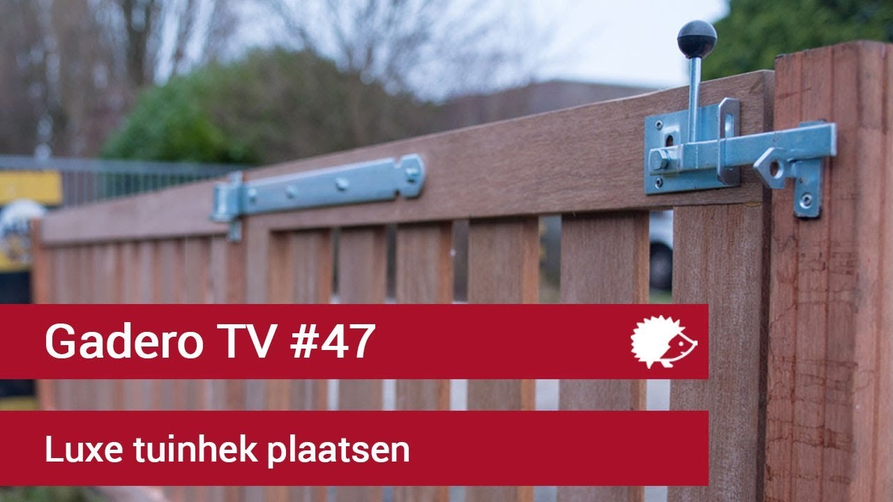 Houten Hekwerk Tuin : Hoe monteer je een tuinhek houten hekwerk plaatsen youtube