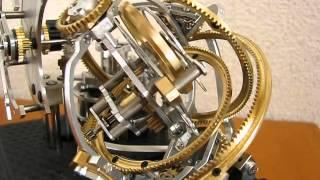 3軸トゥールビヨンの置時計です。(トゥールビヨンの目的からすると、置...