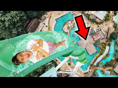 OVERCOMING OUR FEARS at LARGEST WATERPARK in WORLD! | The Royalty Family