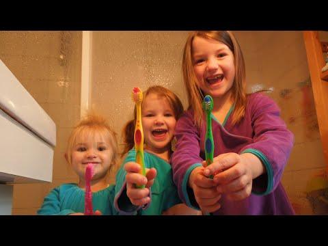 Zahnputzlied Tigerzähne/ Kinder putzen ihre Zähne