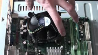 Устанавливаем кулер на процессор